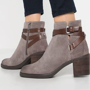 Micheal Kors Ankle Bootie